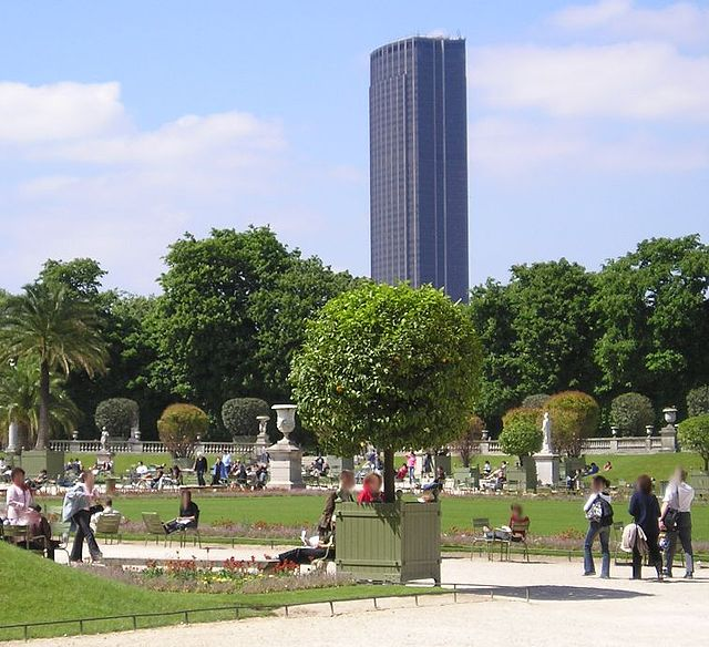 Torre de Montparnasse vista do Jardim de Luxemburgo