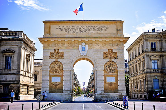 arc-triomphe-montpellier-sud-france