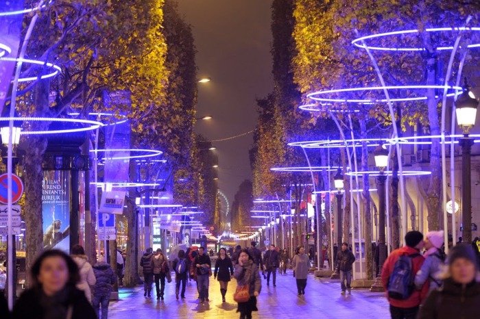Champs-elysées-illumination-de-noel
